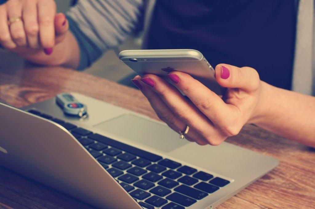 無料から有料まで、独学で学べるオンライン学習サイトまとめ!